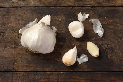 Thumb 400 various farms garlic 4 oz